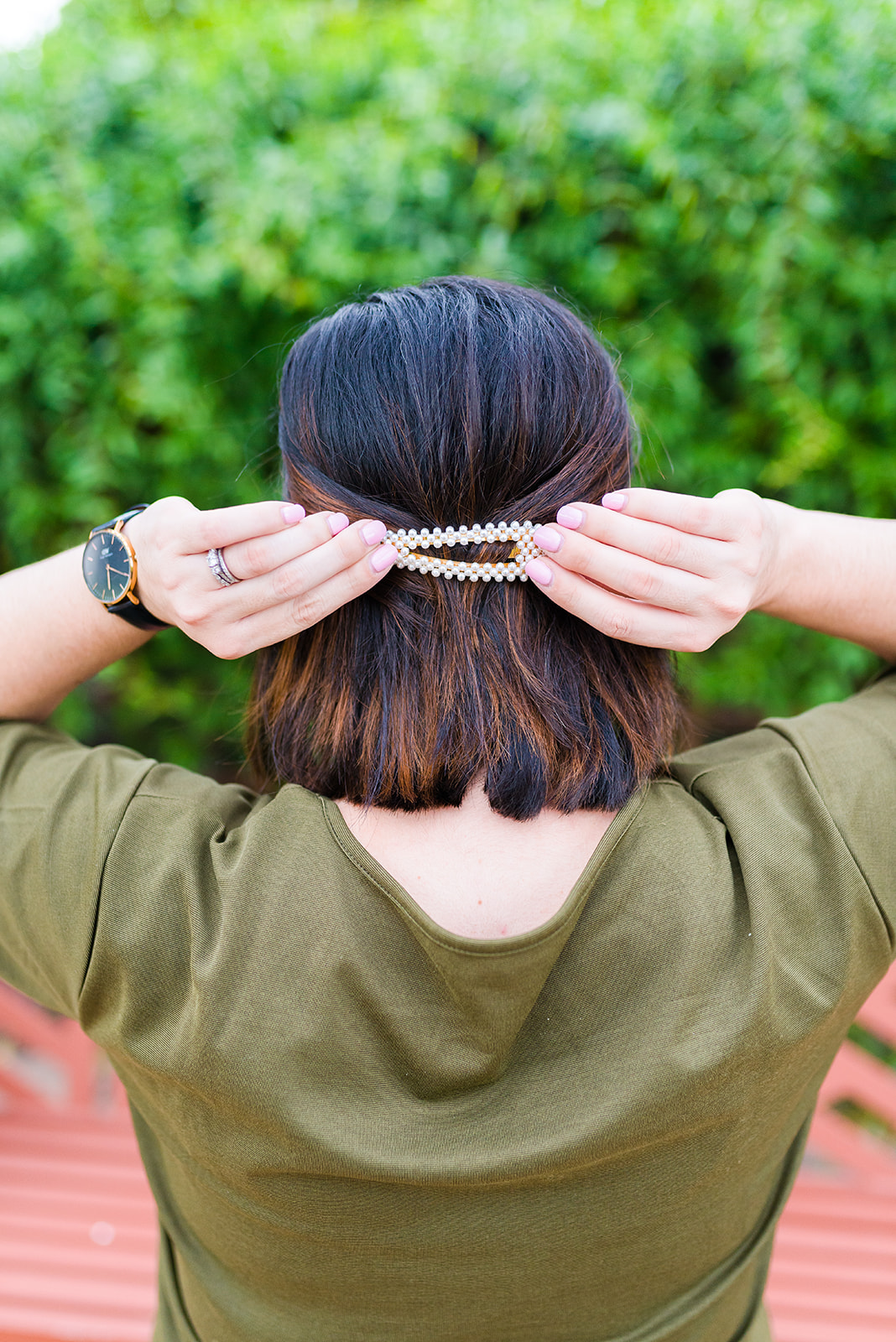 4 Ways to Wear a Barrette-@headtotoechic-Head to Toe Chic